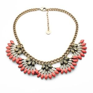 NWOT Stella & Dot Coral Cay Necklace
